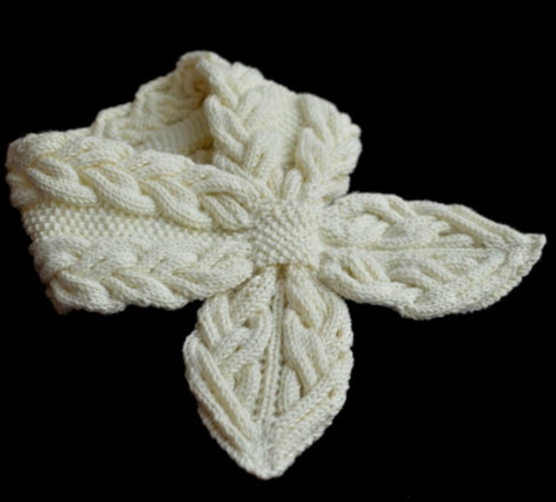 Knit Milky White Cables Scarf - Video Tutorial - Pretty Ideas