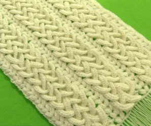 Crochet Cross-linked Rings Scarf