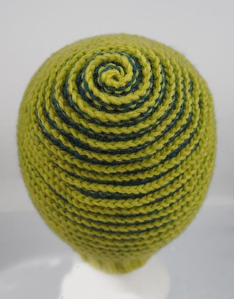 Crochet Spiral Beanie - Pretty Ideas 54f23d35e41