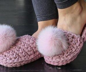 Crochet Pom Pom Shoes