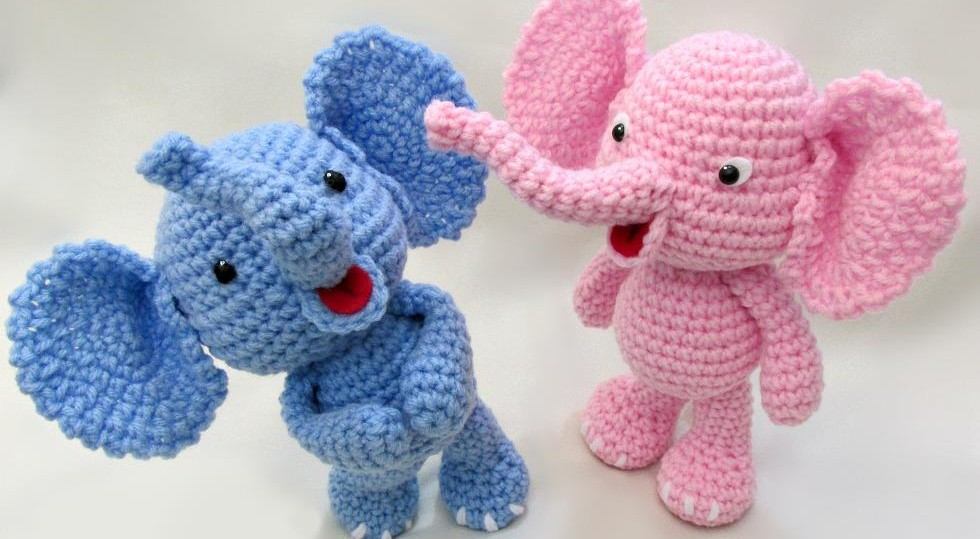 How to Crochet an Elephant Boarder - YouTube | 539x980