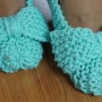 Knit Easy Slippers With Bow