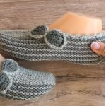 Knit Simple Slippers with bow